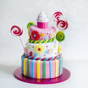 Tort Cupcake mare, margarete si acadele