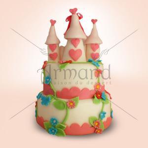 Tort Castel cu turnulete roz