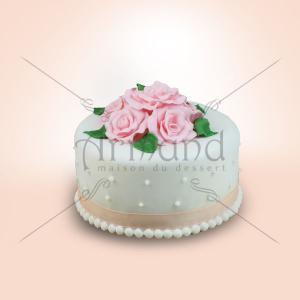 Tort Trandafiri roz si perle albe