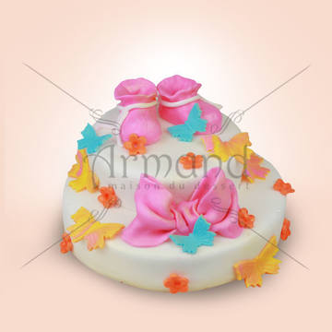 Tort Botosei si funda roz