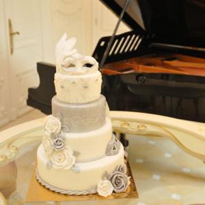 Tort de nunta Masca venetiana