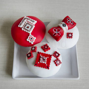 Cupcakes motive traditionale romanesti