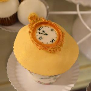 Cupcake ceas vintage