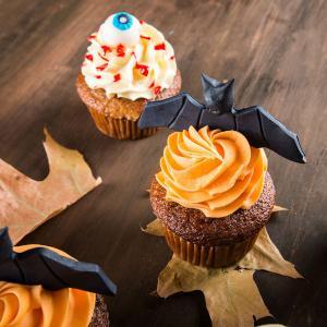 Cupcake liliac Halloween