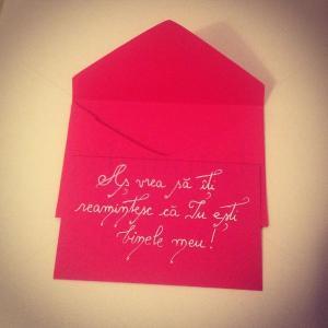 Scrisoare rosie in plic