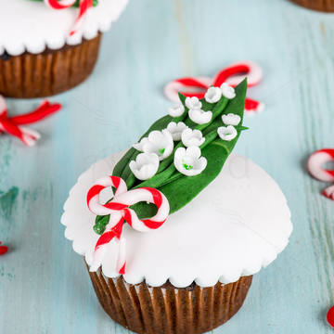 Cupcake Lacramioare martisor