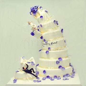 Tort de Nunta spectaculos - In cadere