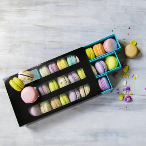 Cutie neagra 24 Macarons