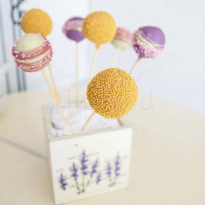 Cake pops lila, auriu si roz