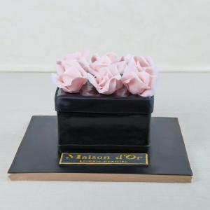 Tort Cutie Trandafiri Maison D Or