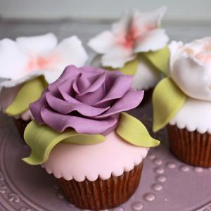 Colectie cupcake flori pastelate