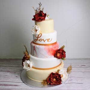 Tort nunta auriu cu flori albe si grena