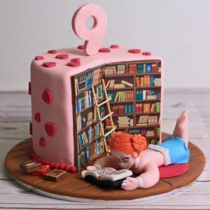 Tort Biblioteca dulce a unei eleve silitoare