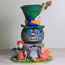 Tort Halloween Alice in Tara Minunilor