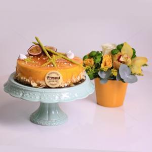 Pachet cadou Fresh Passion si aranjament floral Feerie galbena