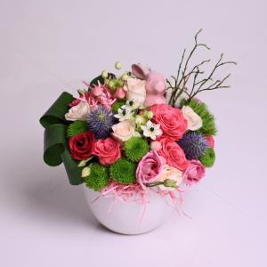 Aranjament floral Iepurasul vesel