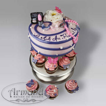 Tort Accesorii si cupcakes