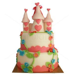 Tort Castel turnulete roz