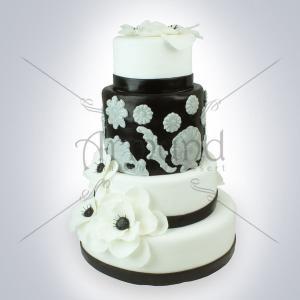 Tort de nunta baroc Flori albe