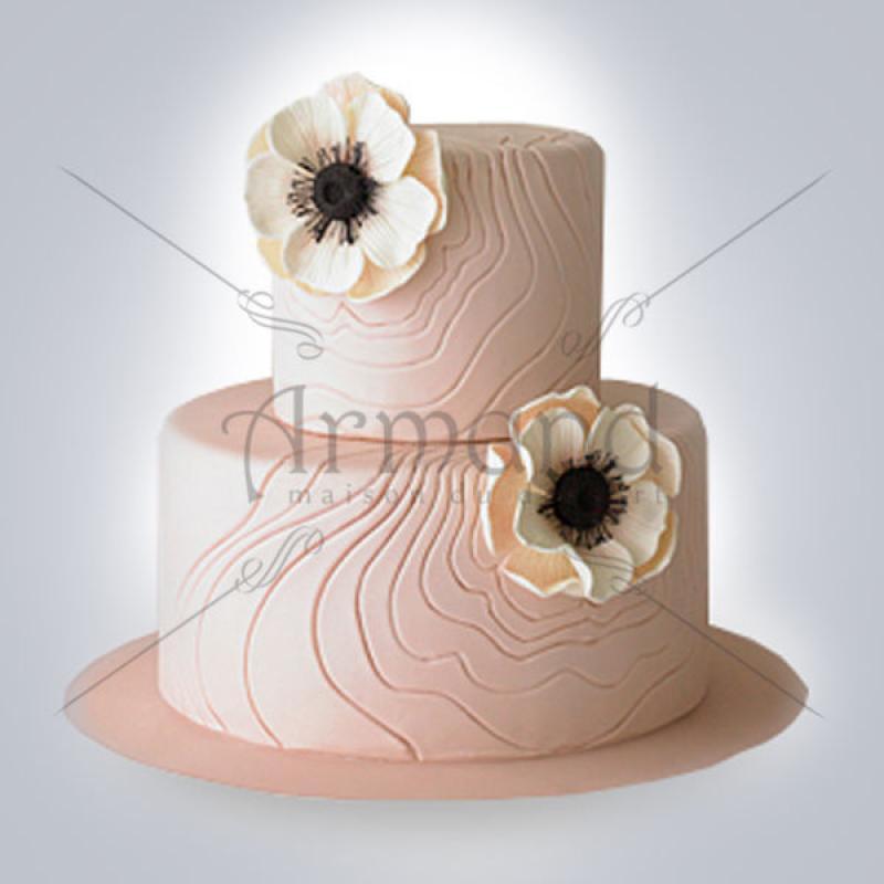 Tort de nunta roz pal cu anemone