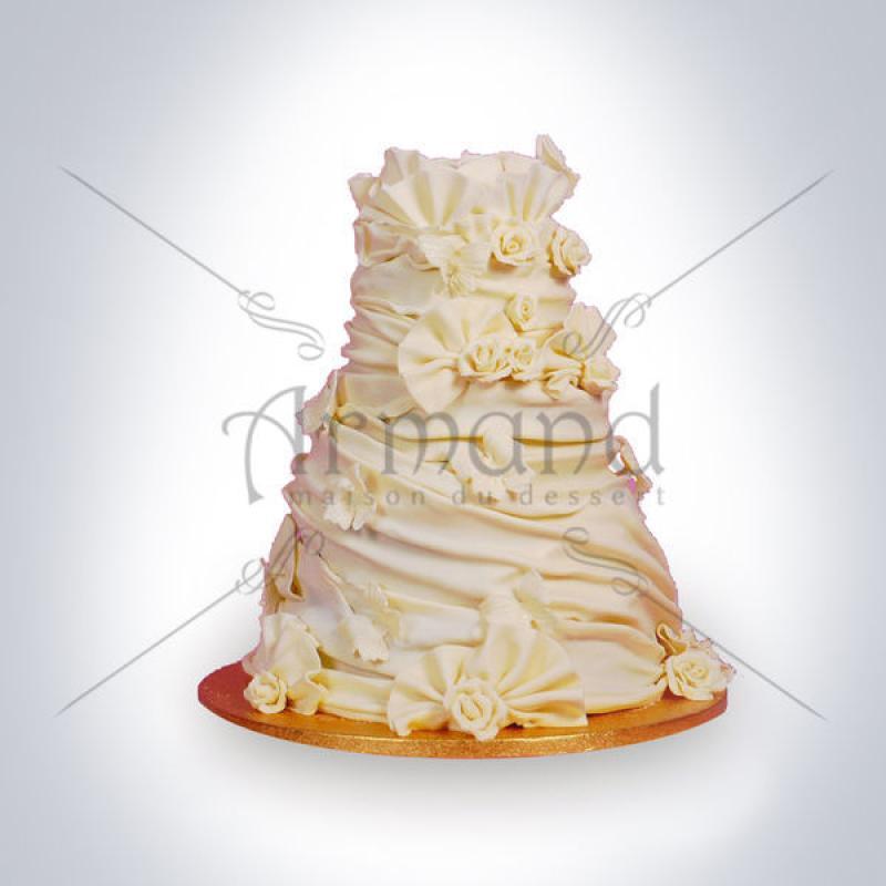 Tort de nunta Falduri ivory
