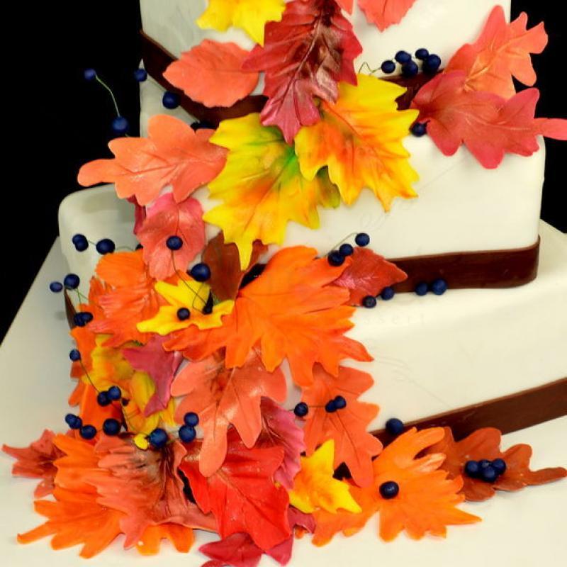 Tort de nunta Toamna tarzie