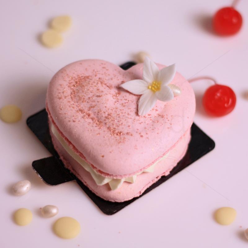 Macaron Inima roz
