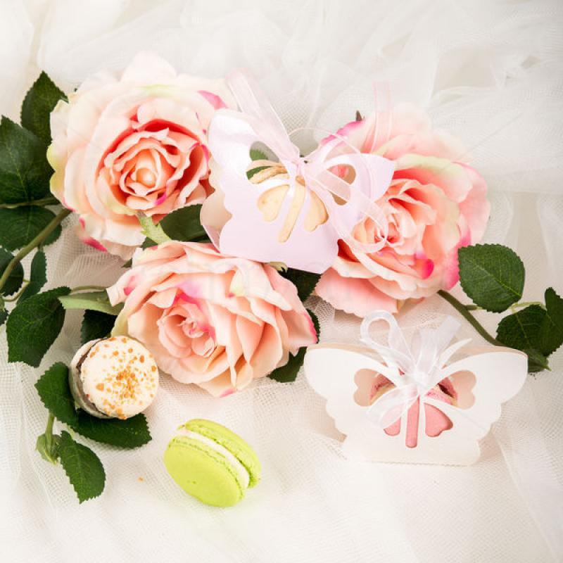 Marturie Macarons Cutie fluture alb