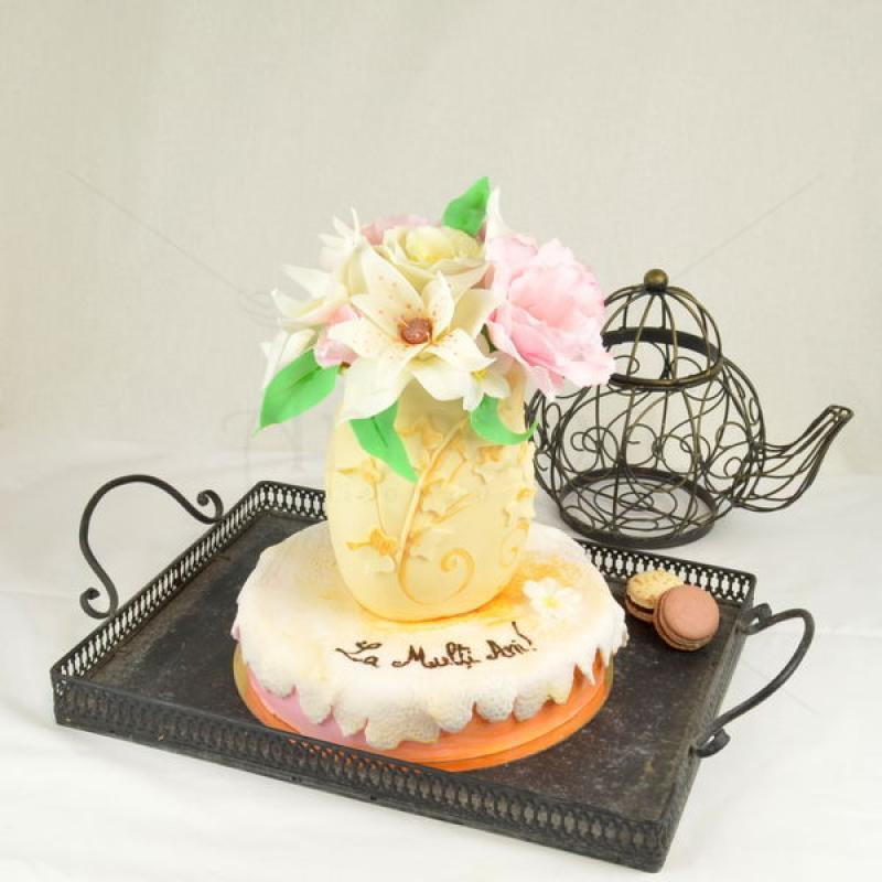 Tort Vaza cu flori