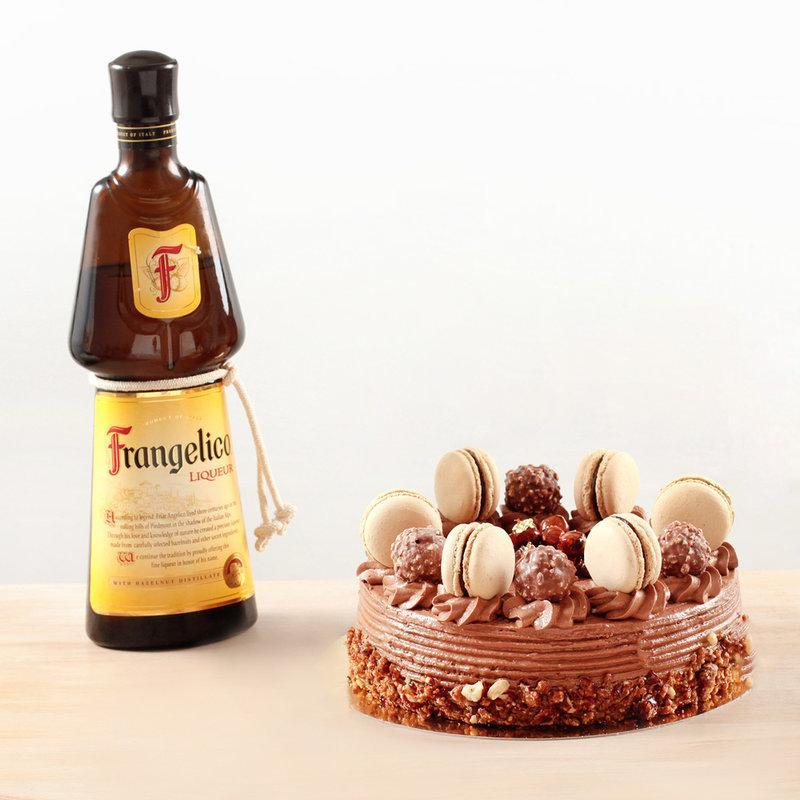 Tort Hazelnut Macaron