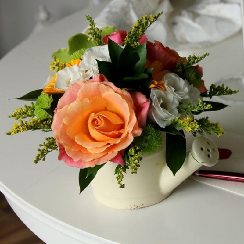 Aranjament stropitoare cu flori
