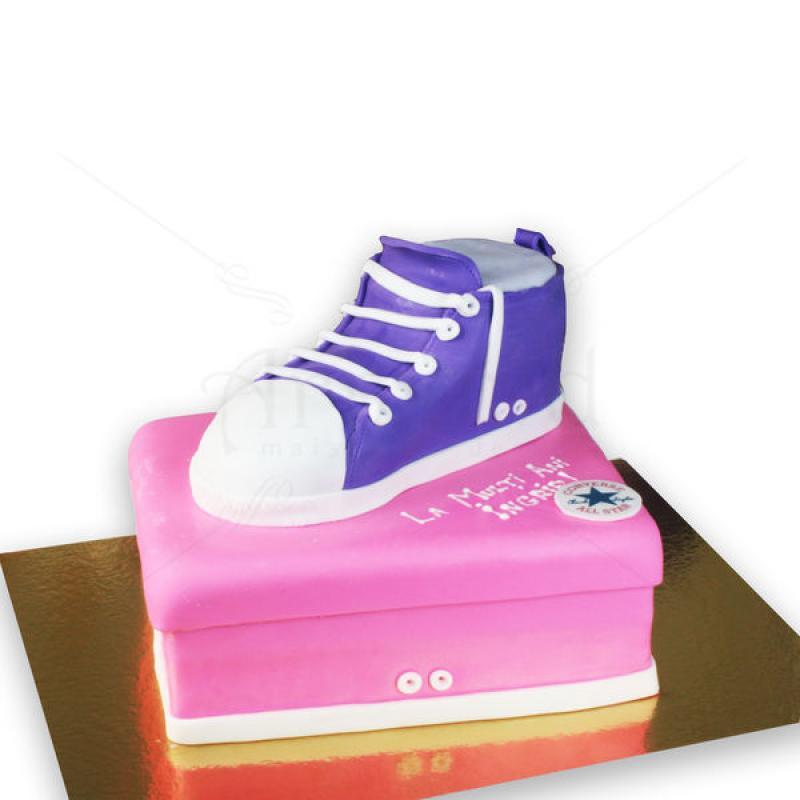 Tort cutie Converse
