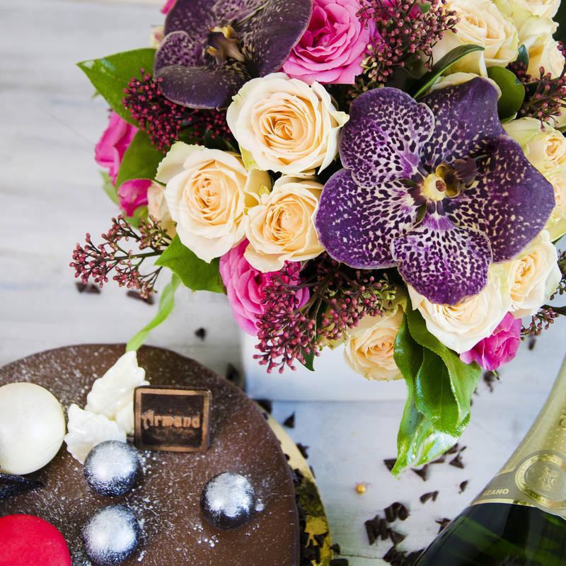 Pachet cadou Ciocolata si Orhidee