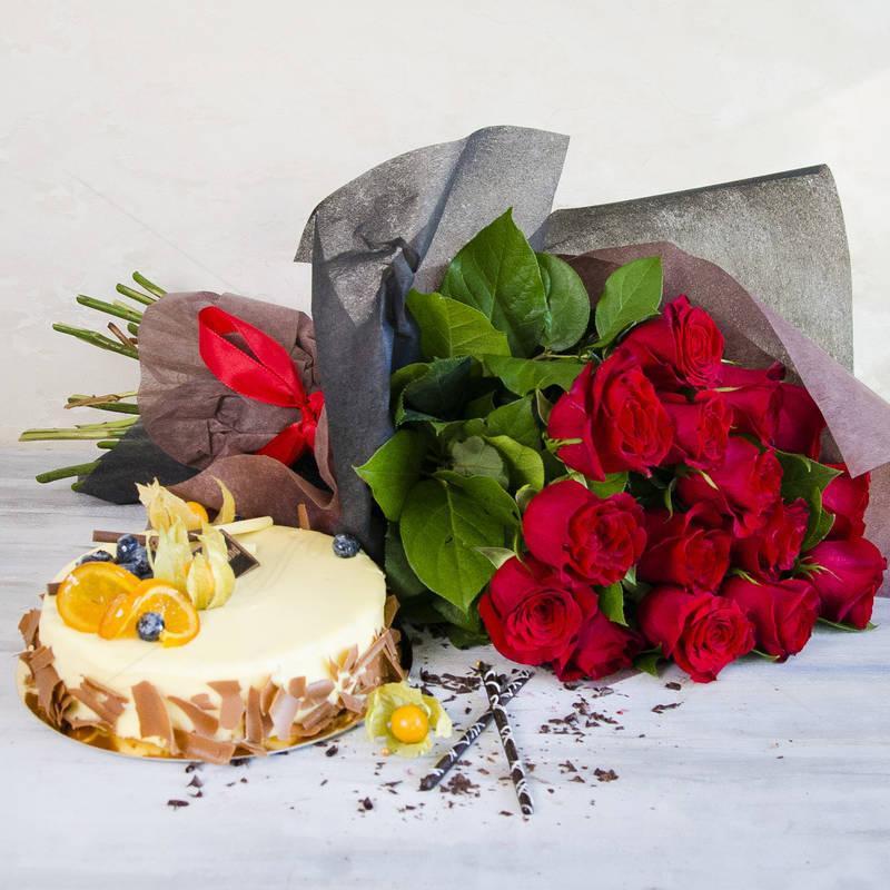 Pachet cadou Tort si Trandafiri rosii