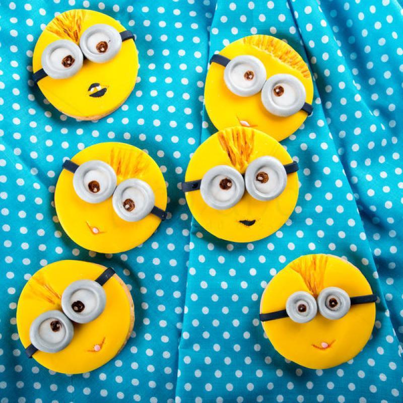 Biscuiti personalizati Minions