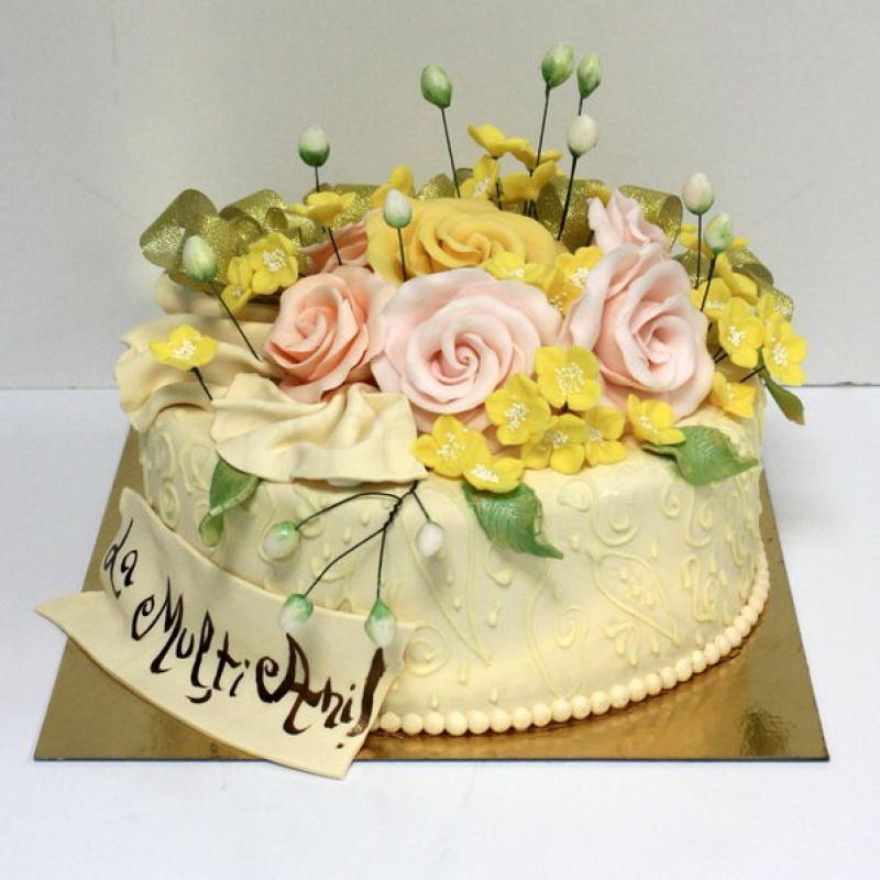 Tort Buchet trandafiri galbeni