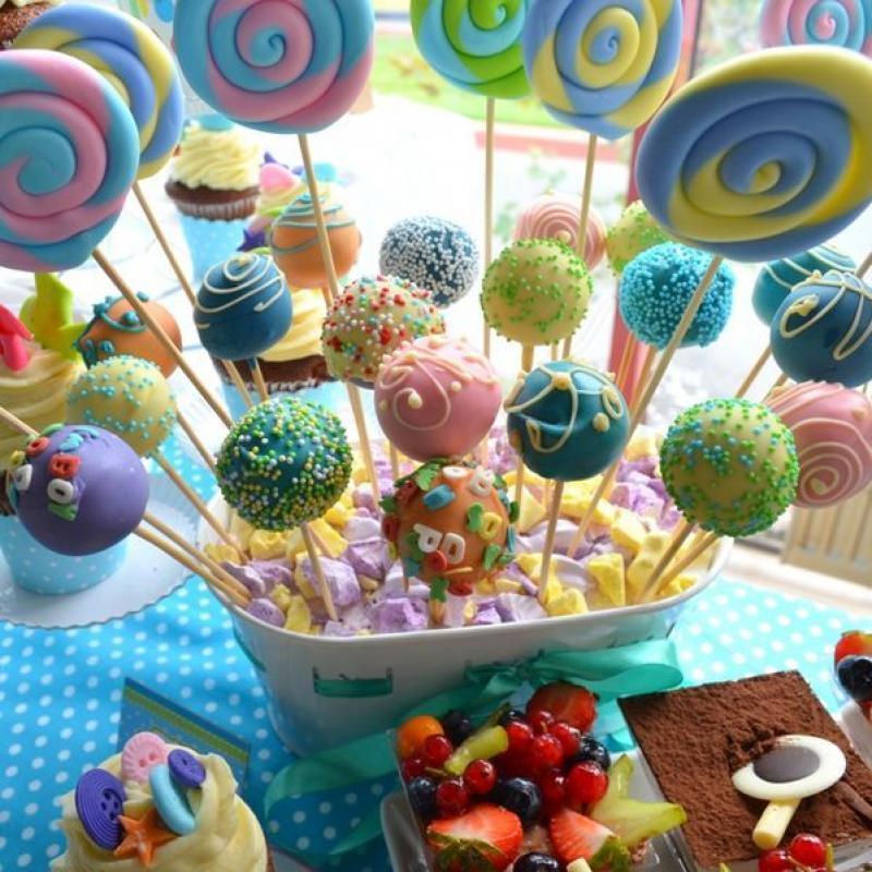 Candy bar Curcubeu pastelat botez