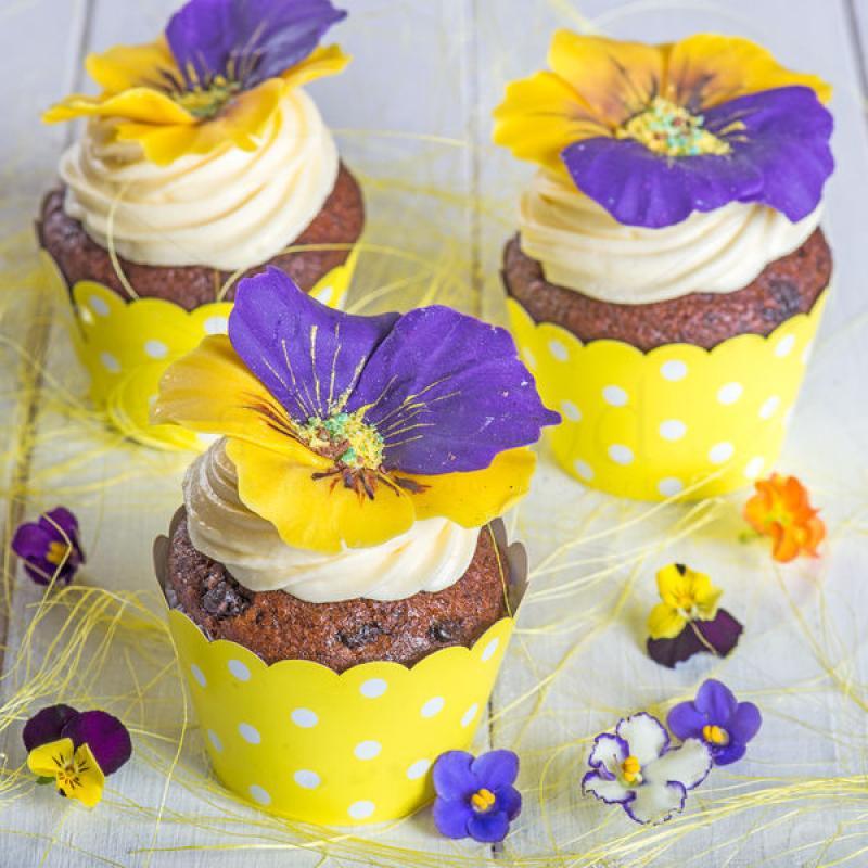 Cupcake flori Panselute