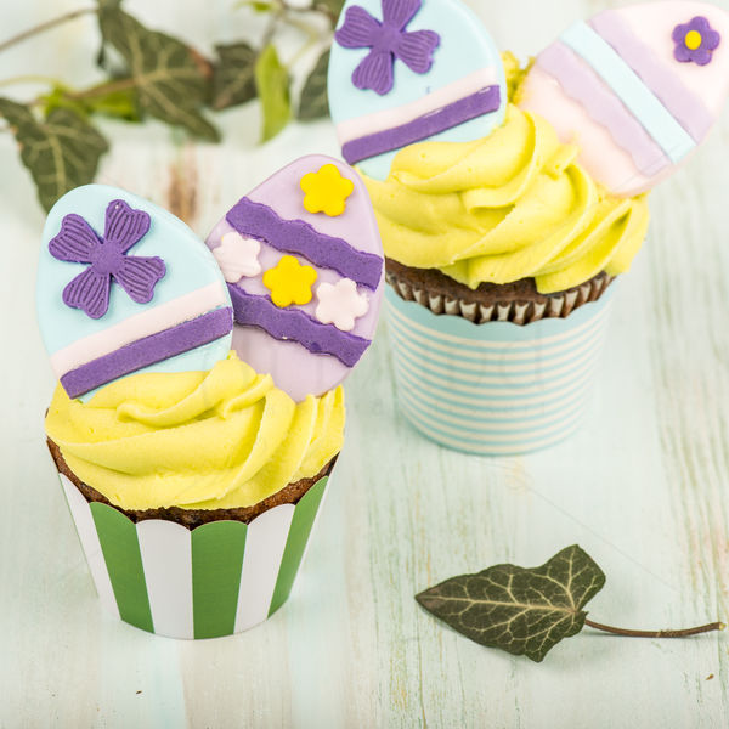 Cupcake Oua colorate de Paste