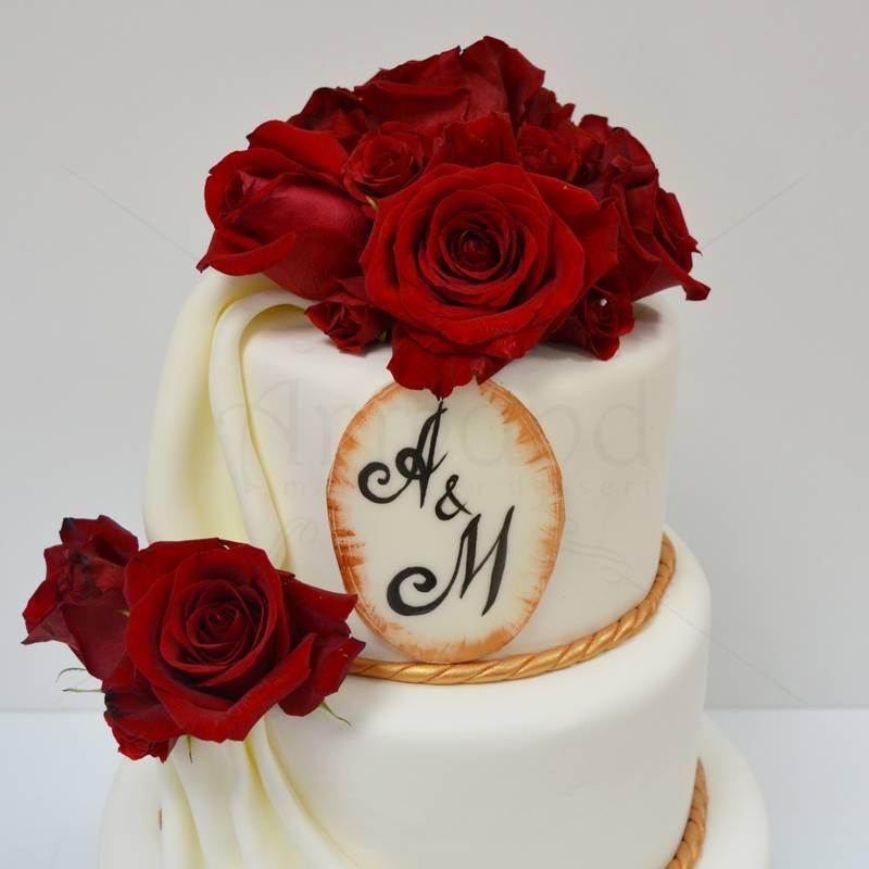 Tort clasic Falduri si trandafiri