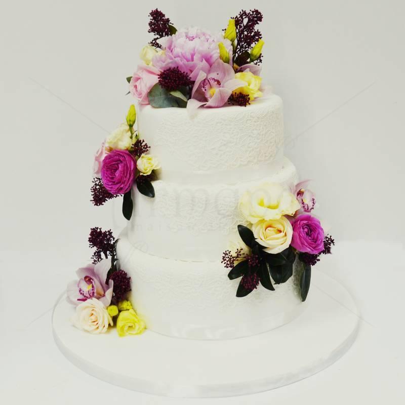 Tort Flori de primavara si dantela
