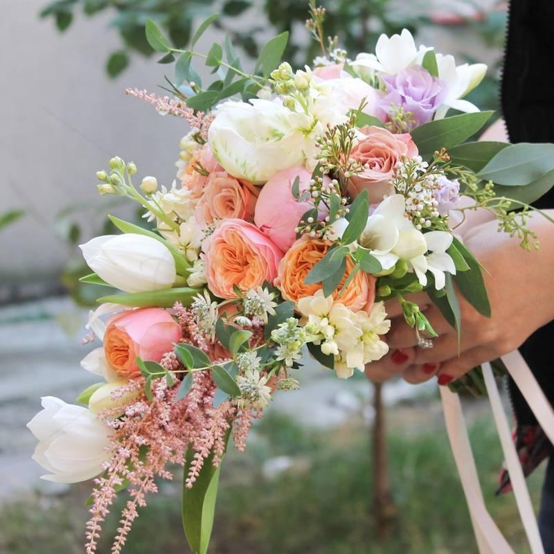 Buchet Floral lalele si bujori