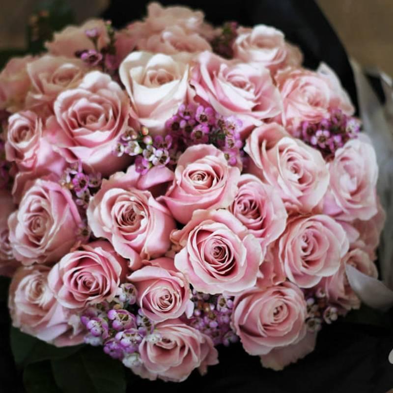 Buchet floral Trandafiri roz prafuit