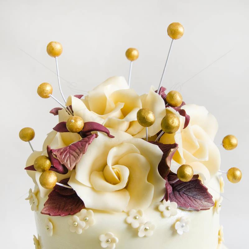 Tort nunta Detalii aurii
