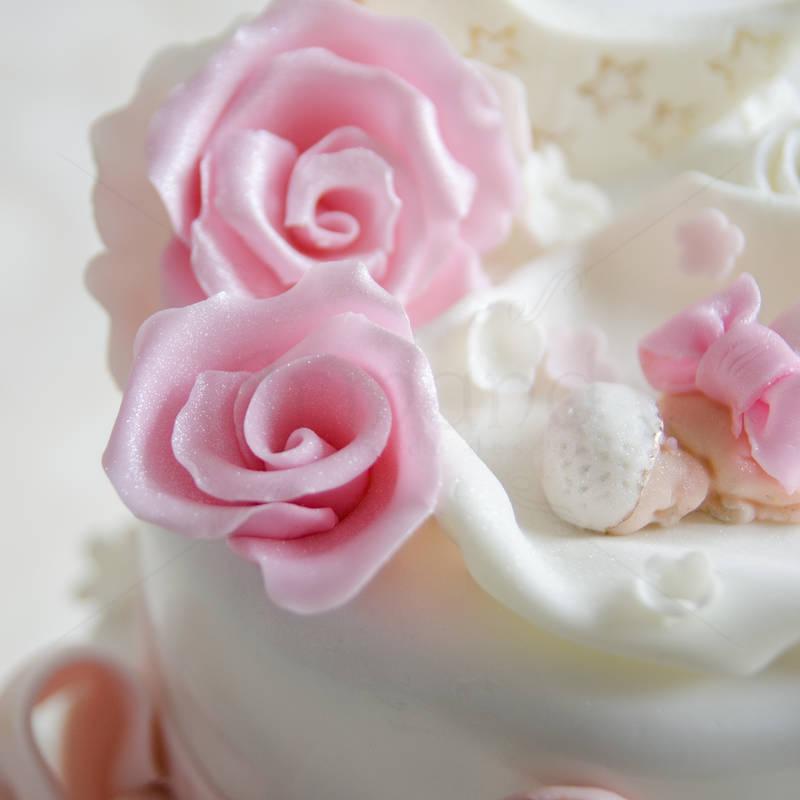 Tort de botez Luna roz