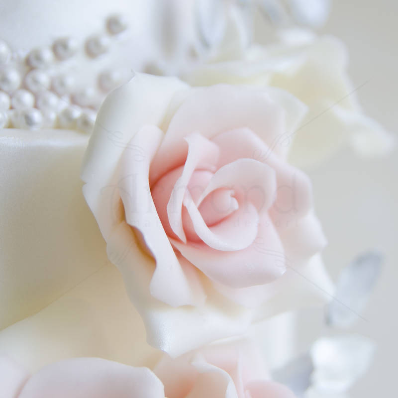 Tort Ghirlanda de trandafiri