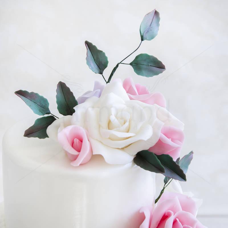 Tort Trandafiri roz pastel