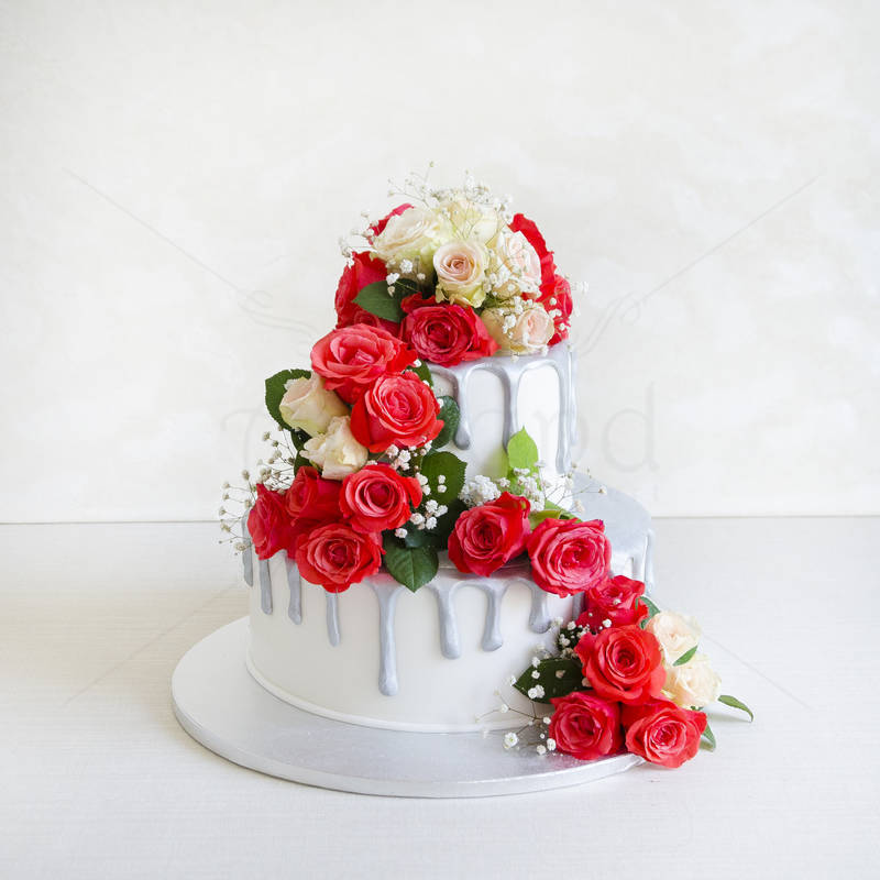 Tort Cascada de flori naturale