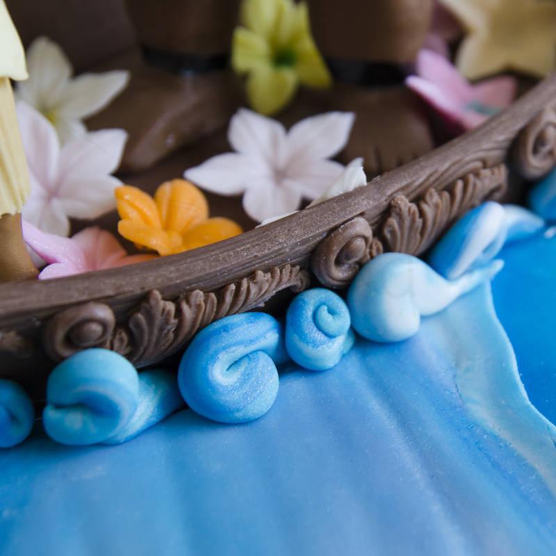 Tort Moana in barca