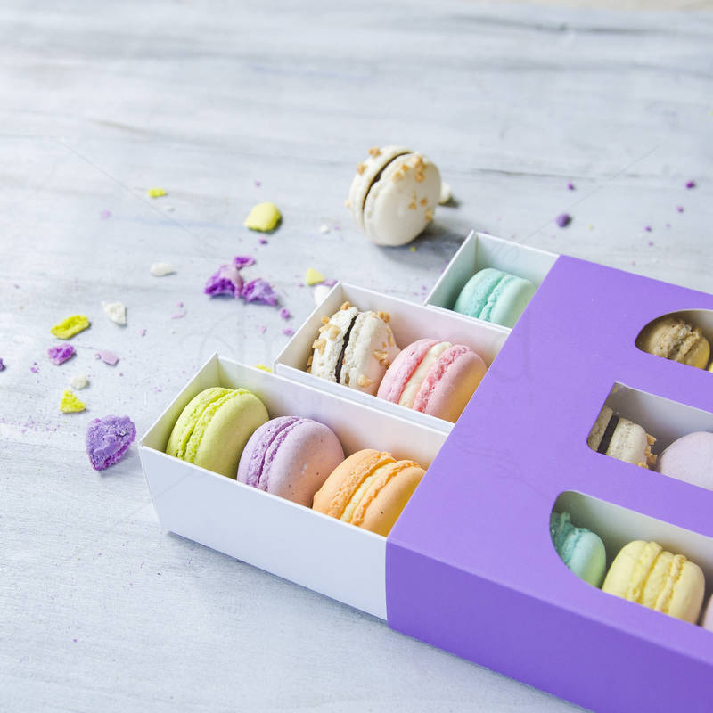 Cutie mov 24 Macarons